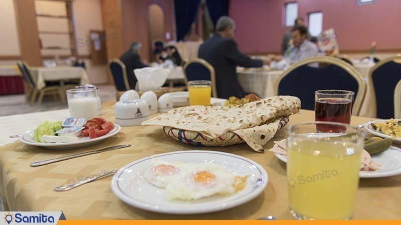 میز صبحانه هتل پارسیان شیراز