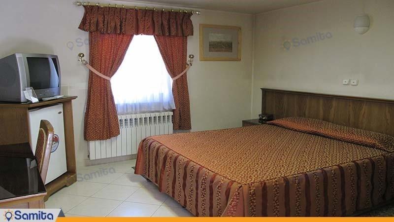 اتاق دبل هتل جهانگردی تخت جمشید