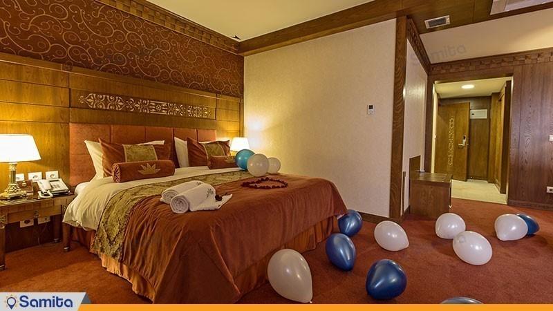 سوئیت ماه عسل هتل زندیه