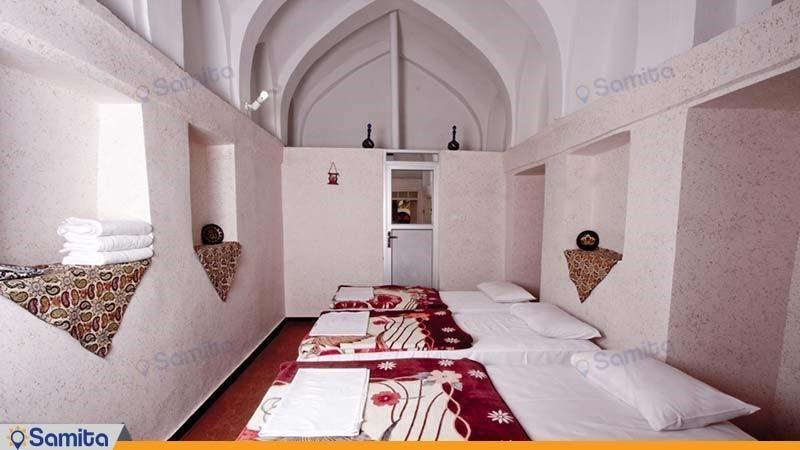 اتاق سه تخته هتل سنتی خانه سرابی