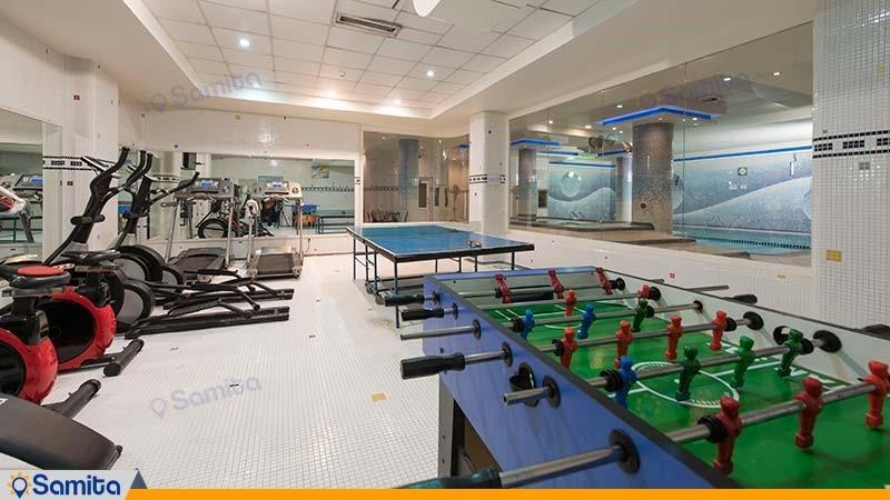 باشگاه بدنسازی هتل آساره