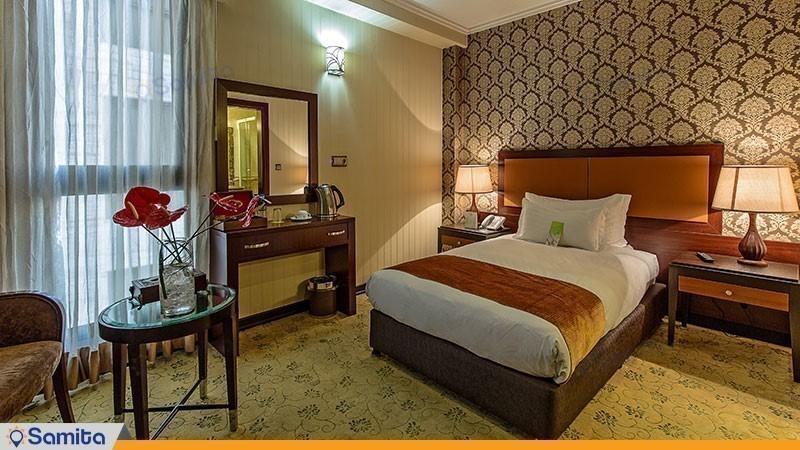 سوئیت جونیور هتل اسپیناس خلیج فارس