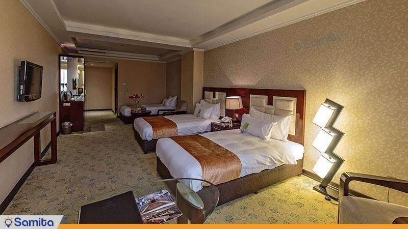 اتاق سه تخته هتل اسپیناس خلیج فارس