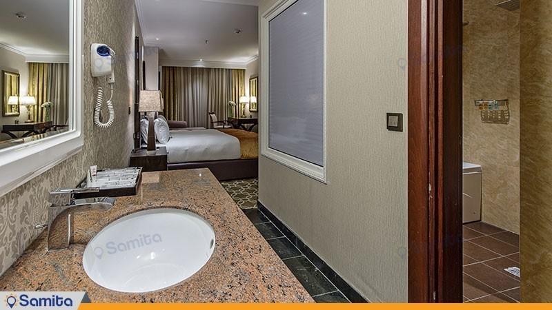 سوئیت جونیور هتل اسپیناس پالاس