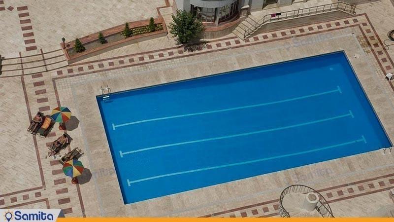 حمام السباحة في الهواء الطلق فندق بارسيان انقلاب
