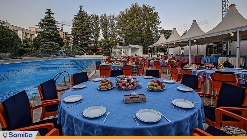رستوران فضای باز هتل پارسیان اوین