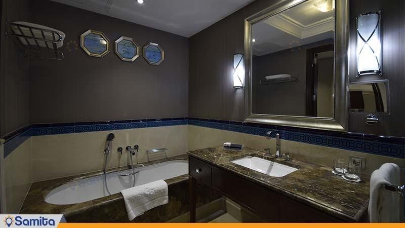 سرویس بهداشتی اتاق دولوکس دو نفره هتل آنا ارومیه
