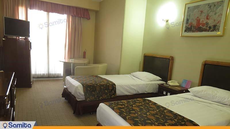 اتاق دو تخته رو به دشت هتل پارسیان آزادی یاسوج