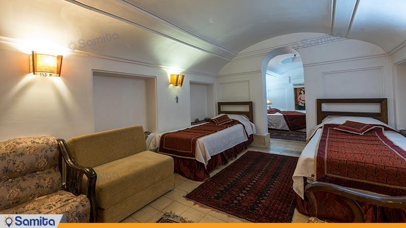 اتاق چهار تخته هتل سنتی فهادان