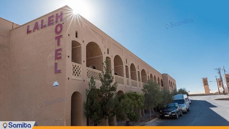 نمای ساختمان هتل سنتی لاله
