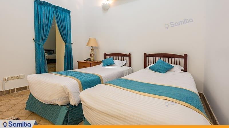 اتاق پنج تخته هتل سنتی لاله