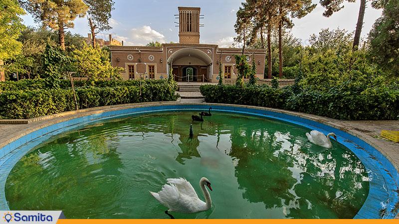 نمای ساختمان هتل باغ مشیرالممالک