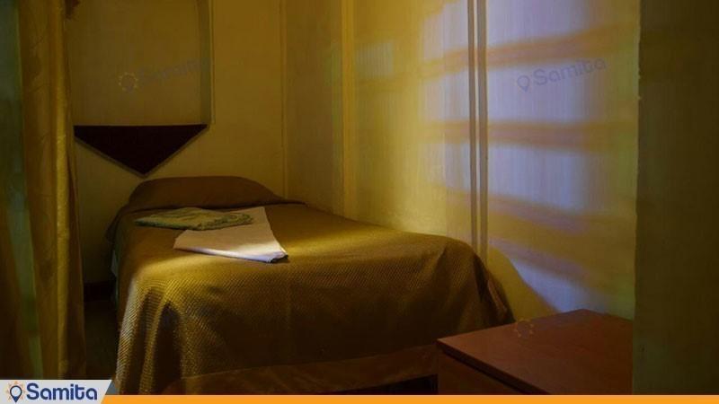 اتاق یک نفره هتل سنتی والی