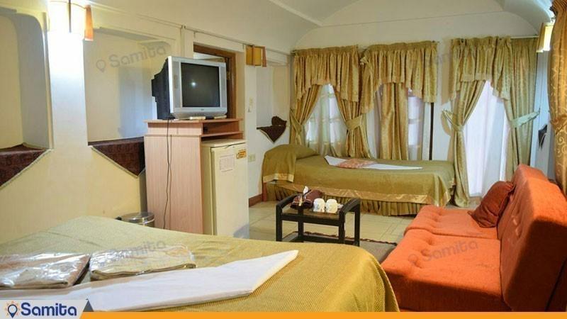 اتاق سه تخته هتل سنتی والی