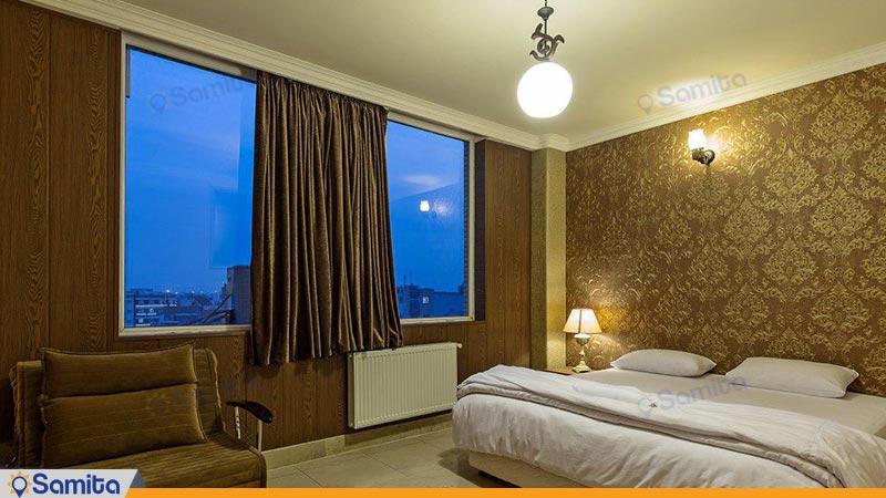 سوئیت یک خوابه دو نفره هتل زنده رود